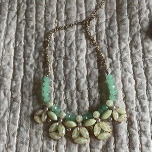Cute accent necklace!